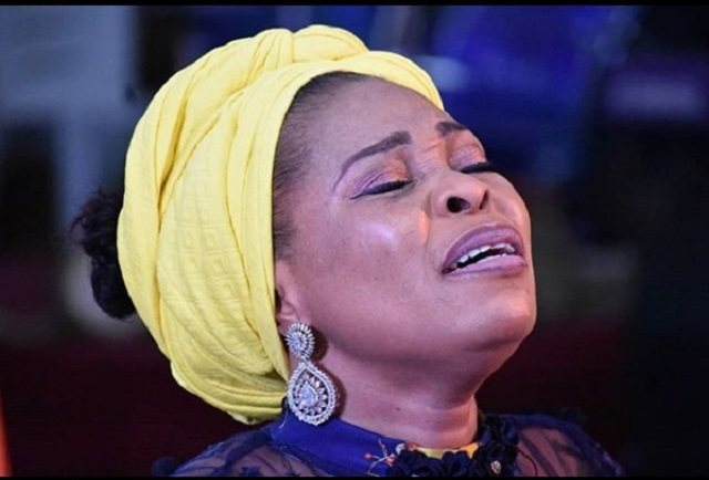 Tope Alabi in Serious Scandal as Man Claims to be Father of her Daughter