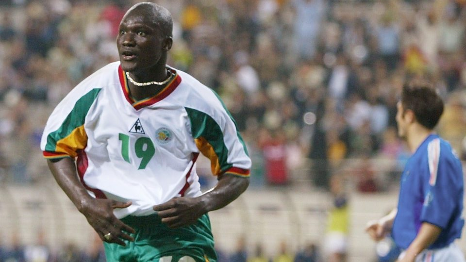 Tributes are being paid to Papa Bouba Diop.(Read More)
