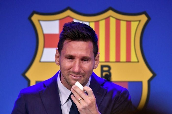 SO EMOTIONAL!! Lionel Messi Breaks Down In Tears During Farewell Speech To Barcelona