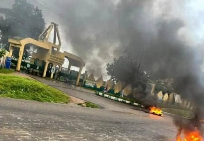Eruwa residents reject Acting Rector, demand dissolution of governing council