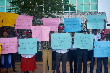 Angry Ogun civil servants storm Unity bank over alleged N134m diversion of investment funds